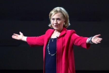 Con resultados de 16 estados, Hillary lleva mínima ventaja