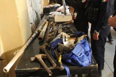 Hallan machetes, cuchillos y hasta un Xbox en penal de Hermosillo
