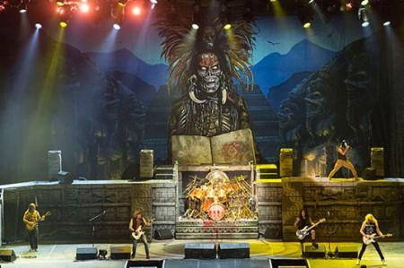 Iron Maiden enloquece a fans durante 'show' con influencia maya