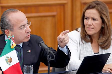 Margarita iría adelante en encuestas, si tuviera spots: Calderón