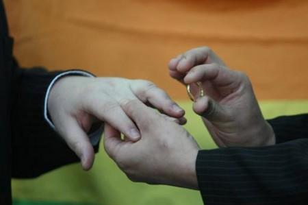 PRD y Morena a favor de matrimonios del mismo sexo en el país