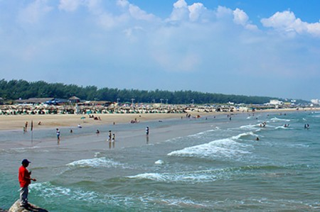 Hallan cuerpo mutilado de mujer en playa de Acapulco