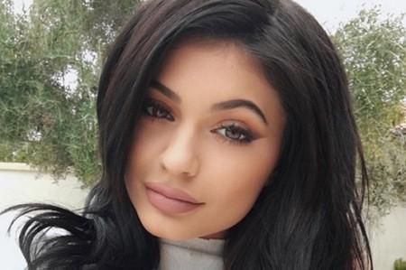 Kylie Jenner publica sexy selfie antes de la ducha