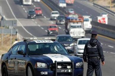 Aseguran automóvil con explosivos en Guanajuato