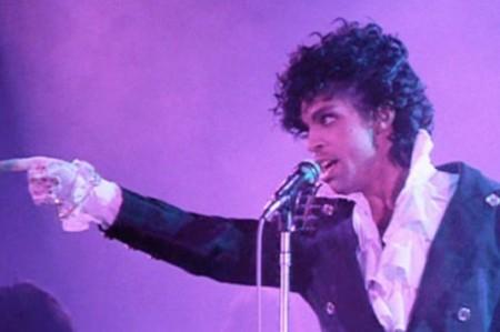 Darán a conocer poesía y fotografías de Prince