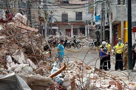 Ecuador anuncia plan de reactivación económica tras terremoto