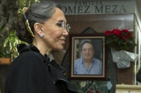 Florinda Meza le pide 'señal' a 'Chespirito'