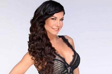 Lis Vega comparte foto desnuda