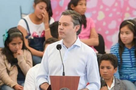 Nadie tiene derecho a dejar a niños sin clases por manifestarse: Nuño Mayer