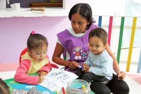 Propone asambleísta estancias infantiles para hijos de estudiantes