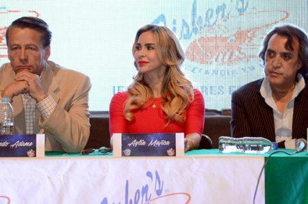 Aylín Mujica y Alfredo Adame se meten en la piel de Celia Cruz