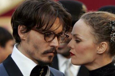 Vanessa Paradis también defiende a Johnny Depp