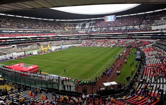 Conflictivo acceso hacia el estadio AztecaConflictivo acceso hacia el estadio Azteca