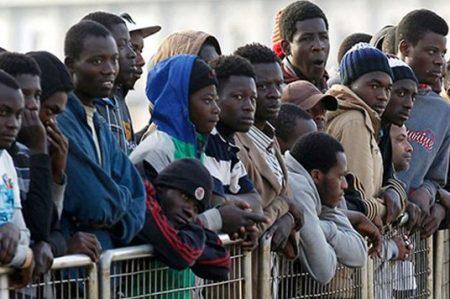 Llegan inmigrantes a Italia desde nueva ruta egipcia