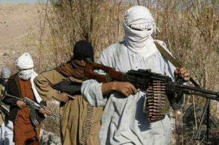 Talibanes matan a 12 pasajeros en Afganistán