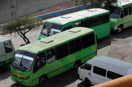 Microbuses, problema multifactorial que se agrava