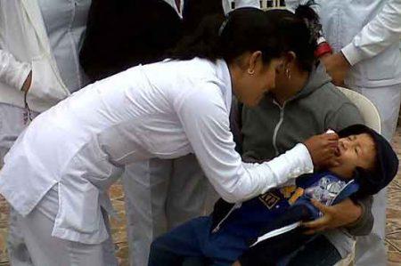 Invita IMSS a padres de familia a vacunar a sus hijos