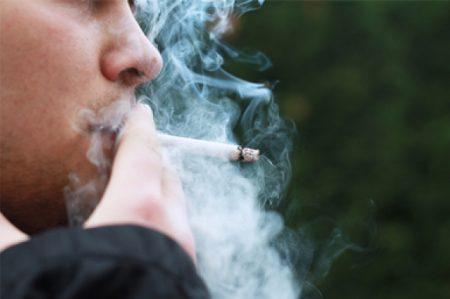 Insuficientes, políticas contra consumo de tabaco: INER