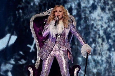 Madonna se torna púrpura en los Billboard