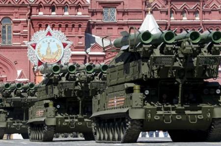 Rusia exhibe poderío militar en Desfile de la Victoria