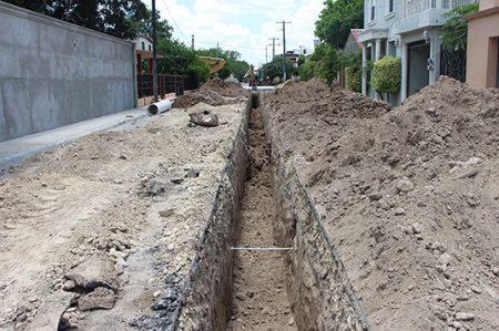 Sustituyen red de drenaje en Camargo