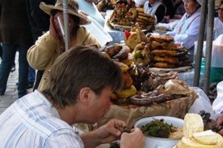 Protección Civil exhorta a no consumir alimentos callejeros