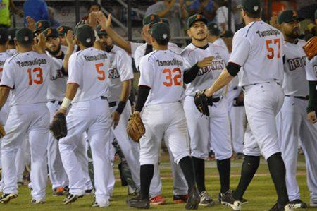 Al fin Broncos gana en casa; vence a Oaxaca