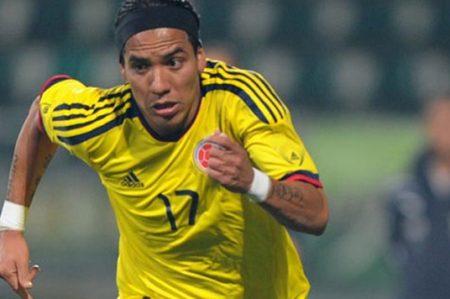 Dayron Moreno remplazaría a James Rodríguez lesionado en Copa América
