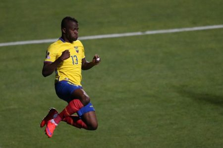 Ecuador golea 4-0 a Haití en la Copa América