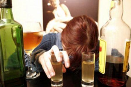 El alcohol te hace propenso a ¡trastornos de personalidad!