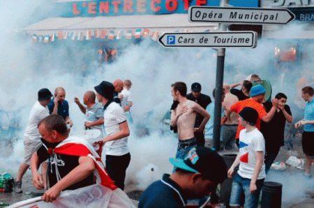 Reportan 36 'hooligans' detenidos y 16 heridos tras juego Rusia-Eslovaquia