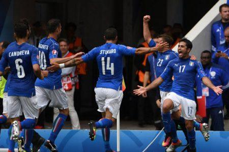 Italia vence a Suecia 1-0 y es candidata en la Euro