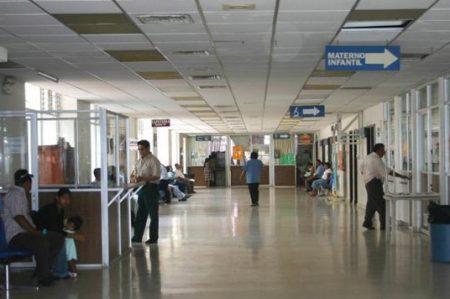 Mantienen paro de labores 215 hospitales de Chiapas