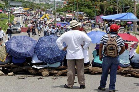 Obispos piden diálogo con docentes en Chiapas