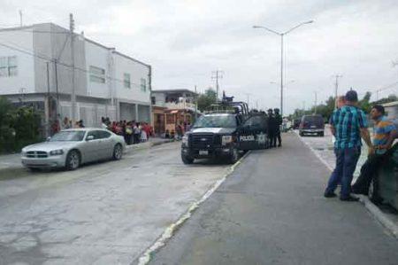Decenas esperan en suspenso resultados en casillas de Jarachinas Sur