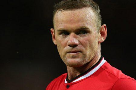 Wayne Rooney ve necesidad de mover el balón ante islandeses