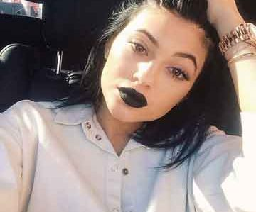 Kylie Jenner agota nuevo labial negro