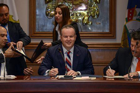 Firman Nuevo Laredo y Laredo Texas Plan de Contingencia Transfronterizo