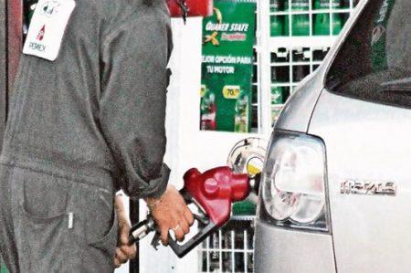 PRD inicia colecta de firmas contra alza a gasolinas