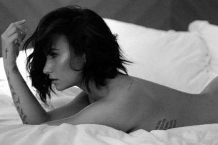 Demi Lovato se desnuda en su nueva canción