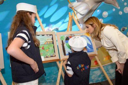 Premian a ganadores del Concurso 'El Niño y la Mar'