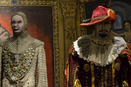 Los colores de la ópera inundan el Museo de Arte Popular