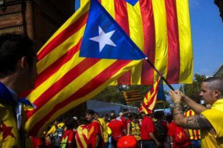 Partidos catalanes lanzan desafío al gobierno de España