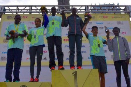 Kenianos se llevan Medio Maratón de la CDMX