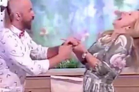 Presentadora sale herida tras fallar truco de magia en televisión