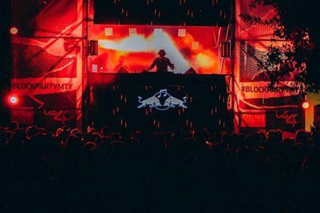 Red Bull enciende con música calles del Barrio Antiguo