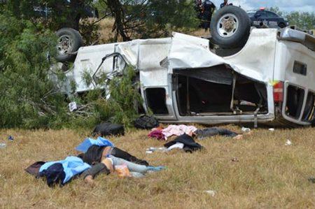 Ya son seis los muertos por accidente carretero