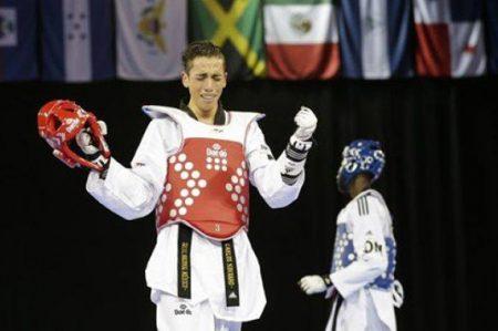 Navarro sufre pero pasa a semifinal de taekwondo en Juegos Olímpicos