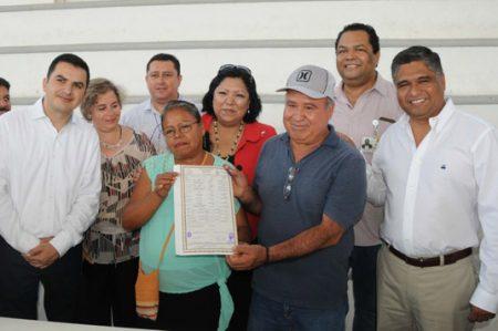 Se casan en brigada médico asistencial tras 34 años de unión libre