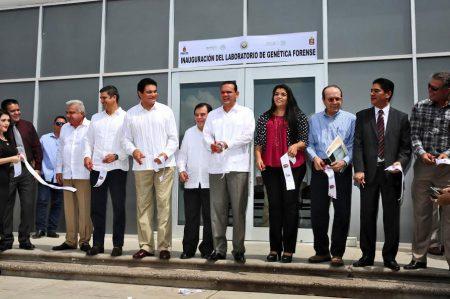 Sinaloa inaugura laboratorios de genética y química forense